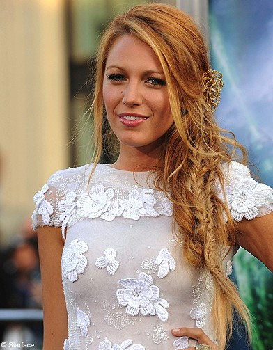 Beaute-people-tendance-coiffure-tresse-decoiffees-Blake-Lively_reference